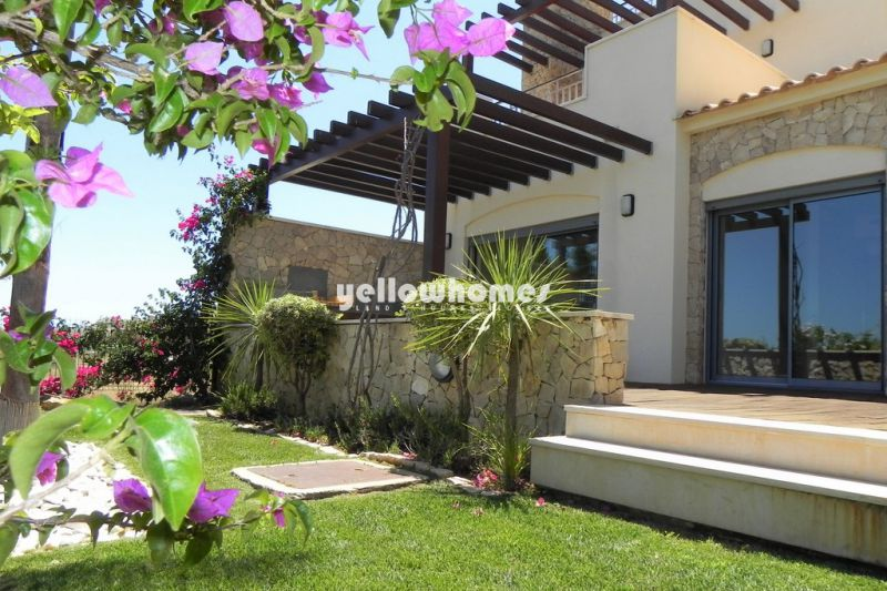 Beautiful golf fronted 3-bedroom townhouse with sea views in Vilamoura